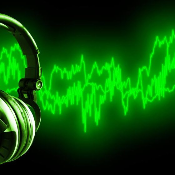 sound-waves-and-headphones-green